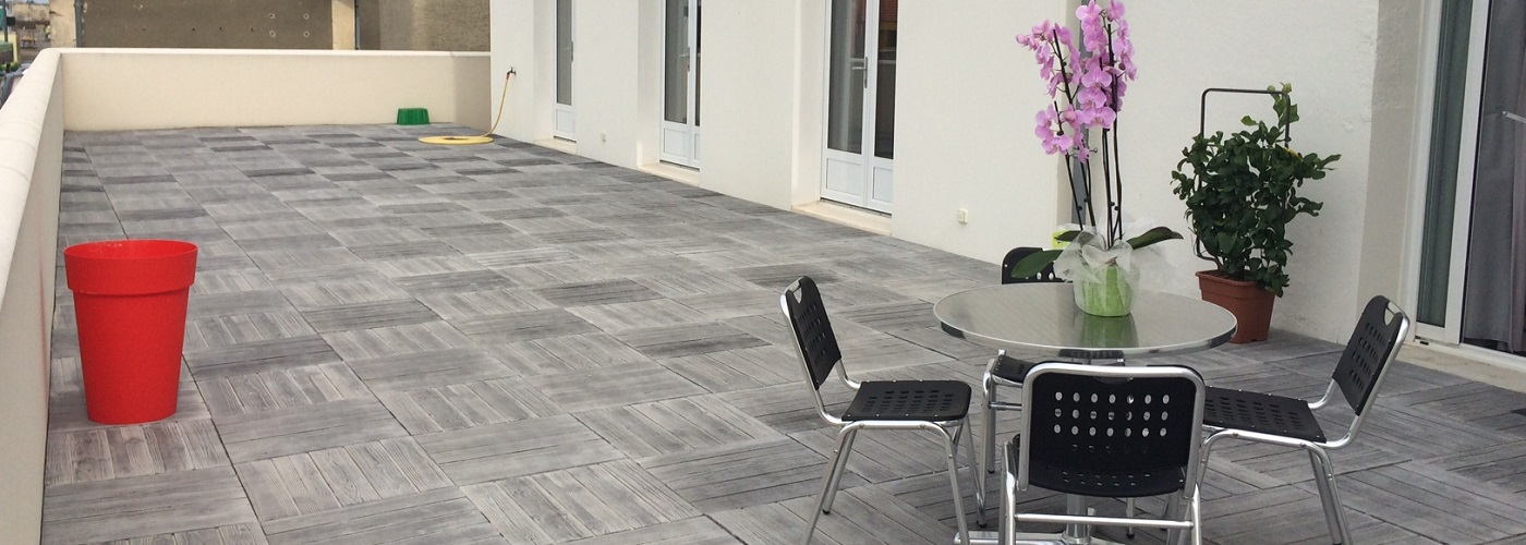 Une terrasse de 100 m²